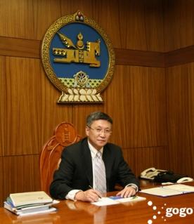 Ерөнхий сайд нуруу,  нугасны мэс заслын эмч нарыг гомдоож,  монгол эмч нарт итгэх иргэдийн итгэлийг бууруулав уу